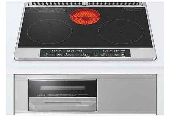 【【Takara standard】食器洗い乾燥機】ビルトインタイプ食器洗い乾燥機なら、カウンター上はいつもすっきりで、今まで手洗いにかけていた時間をご家族との時間に使えます。(同仕様)