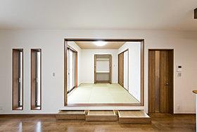 現地モデルハウス6号地「床下収納」
