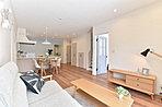全ての居室が白を基調としたフレンチカントリー調のおしゃれな内装です