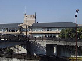 人気の長嶺小学校区です。