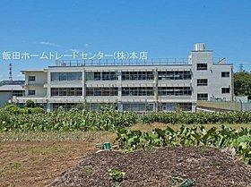 稲城市立稲城第二小学校・・距離約1600m(徒歩20分)