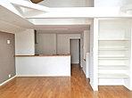 LDK(B号棟) リビングイン階段で対面式キッチン 家族の自然なふれあいを重視したプラン