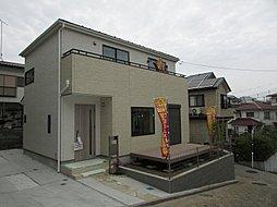 外壁にサイディング利用で、長く住んでも汚れにくい特徴があります...