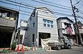 ターミナル駅の「横浜駅」まで徒歩圏 南向きの新築戸建て