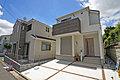 南道路、カースペース並列2台の新築分譲住宅