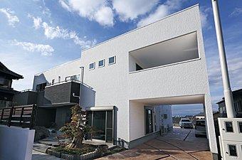 当社新築施工例です。お洒落に、楽しくお家作りをしたい方はぜひ 和泉市 不動産 いちやへ。 楽しくをモットーにスタッフ一同毎日笑顔が絶えない社内です。