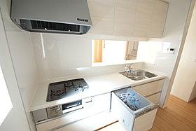 食洗器付きシステムキッチン 3口コンロ