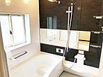 浴室乾燥暖房機付きの1坪タイプのお風呂です。(色、デザインは各住居異なります)