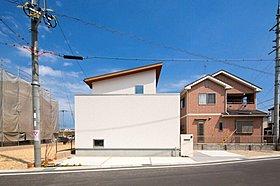 【施工事例:内外つながるアウトサイドリビングの家】