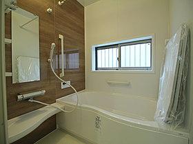 心地よさと清潔、掃除のしやすさにこだわったバスルーム。