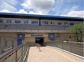 横浜市営地下鉄ブルーライン「上永谷」駅まで320m