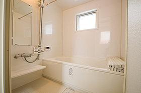 心地よさと清潔、掃除のしやすさにこだわったバスルーム