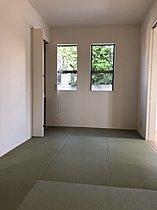 2号棟和室。お子様の遊び場にも最適な和室。