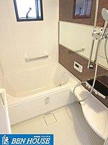浴室は浴室乾燥器付き