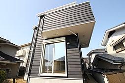 カントリー風住宅 ひな段のため日当たり開放感良好 カースペース...