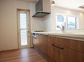 食洗機・浄水器付きシステムキッチン