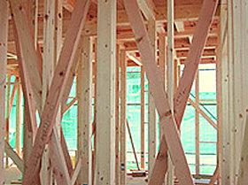 住宅の骨格を木の軸で造る「木造軸組工法」