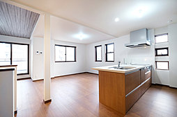 【天白区中平2丁目(4区画)】~明るい2階リビングが魅力の3階建て住宅~の外観