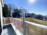 特徴的なバルコニーです。周囲も一種低層の街並みですので、開放感や日当たり良好です。,3LDK#4LDK,面積93.15m2~98.54m2,価格3380万円,JR南武線「武蔵新城」駅 バス13分 徒歩6分,東急東横線「武蔵小杉」駅 バス21分 徒歩7分,神奈川県川崎市宮前区野川