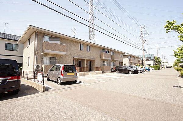 新潟県新潟市東区はなみずき1丁目の賃貸アパート