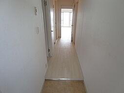 ユメノサニーハイツの段差の少ない玄関スペース