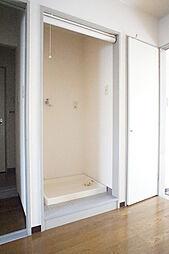 ラ・フォンテーヌの室内洗濯機置き場 ロールスクリーンで目隠しできます