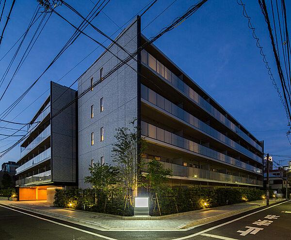 ザ・パークハビオ高円寺[1階]の外観