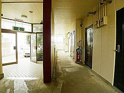 ヤングビレッジ[1階]の外観