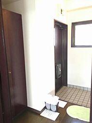 ディア磯子の玄関