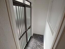 タカラハイツの玄関はモダンな可愛いデザイン