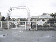 幼稚園平岡南幼稚園まで413m