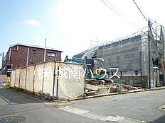北側前面道路含む現地外観:平成29年10月8日撮影