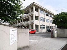 加古川市立鳩里小学校まで850m