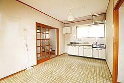 江戸川区南小岩5丁目 賃貸併用中古戸建 2DKの居間