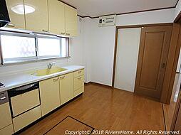 [室内撮影] システムキッチン/ ファイナンシャルプランナーによる住宅ローン/諸費用等の無料相談も受付中です。ご購入に関するご相談はリベールホームまでご連絡下さい。