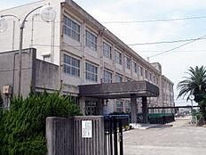 小学校保田小学校まで1301m