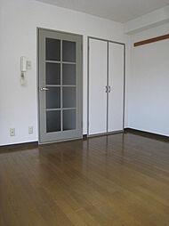 東山ハイツの洋室、収納 同タイプ参考