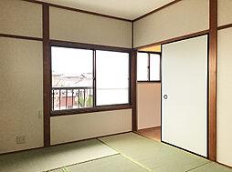 2F北東側6帖和室。