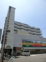 サンプラザ総持寺[5階]の外観