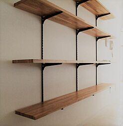 〜飾り棚プラン例〜風合いのある足場板を使用した飾り棚設置(同一タイプ)工事費25万(価格に含みません