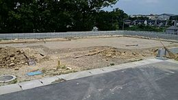 1号棟現地写真です。10月下旬~11月上旬完成予定です。