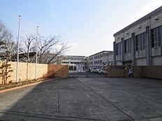 香芝市立香芝中学校まで1450m