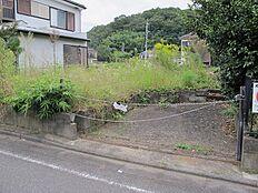 高尾山近くの緑豊かな住宅地。田舎過ぎず住環境は整っておりますので、充実の郊外ライフを。