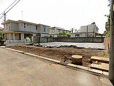 「玉川学園前」駅から徒歩圏内の好立地です。