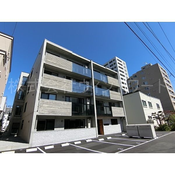 speranza KITAMARUYAMA(スペランツァ北円山)[1階]の外観