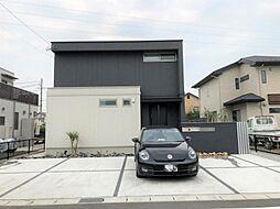 土地面積約76坪で広々駐車場も4台分