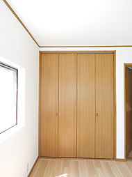 2階南東側洋室にはクローゼットがあります。