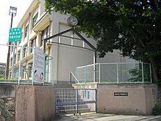 中学校西宮市立甲陵中学校まで1001m