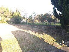 日当たりの良い土地です土地面積152坪あり、平屋も建てられますね価格の相談、応じます
