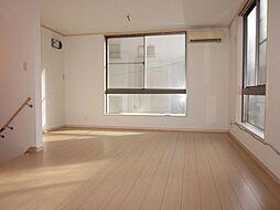 南麻布4丁目 借地権付戸建 3LDKの居間
